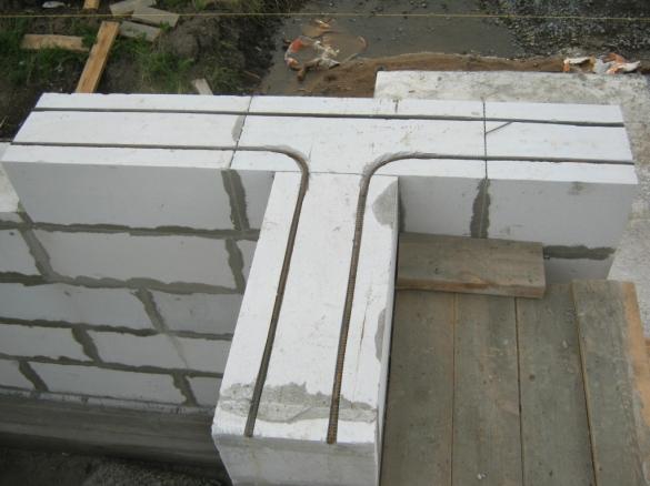 Пример устройства армирования в стенах из газосиликатных блоков