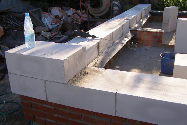 Укладка бетонных блоков