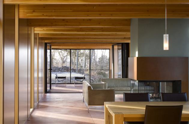Мебель в доме из деревянного бруса