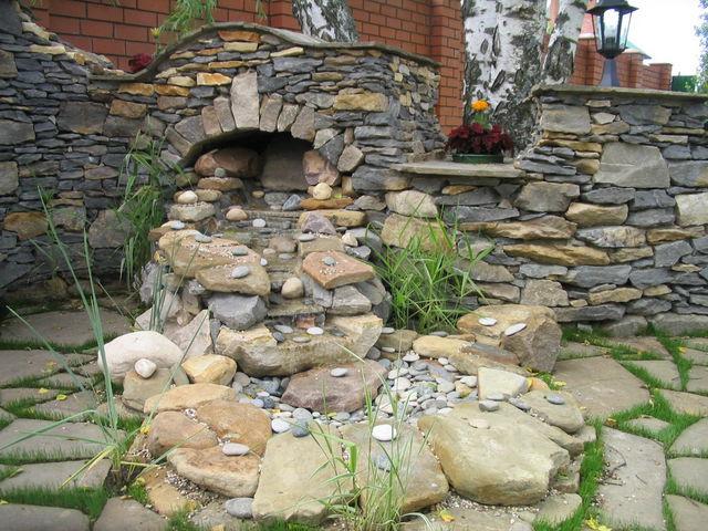 Дизайн загородного парка из природного камня