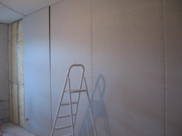 Выравнивание стен гипсокартоном своими руками фото