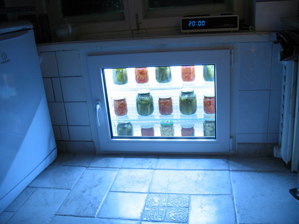 Как сделать холодильник под окном своими руками в хрущевке видео