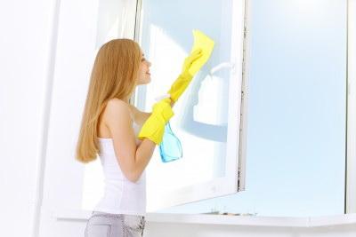 Мытье подоконников
