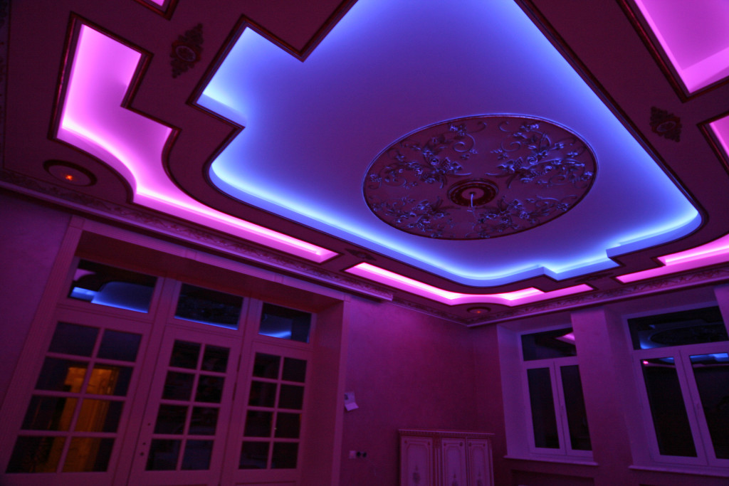 Подсветка комнаты в квартире